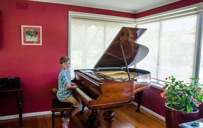 Thomas Moore Plays his Great Grandfather's piano